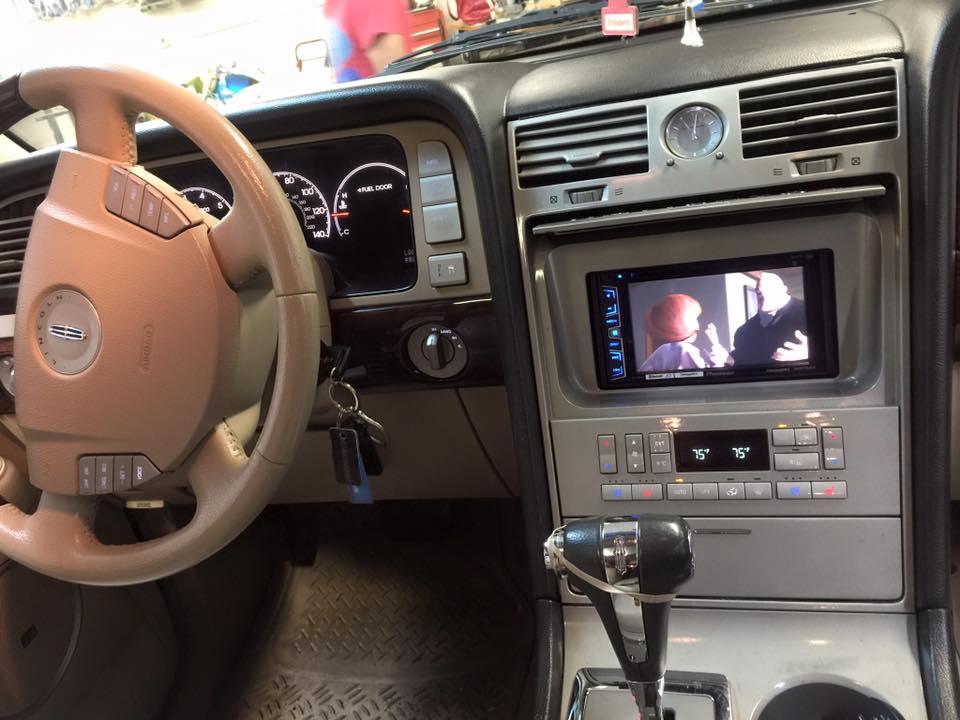 Stereo Centro - Renton's Car Stereo and Car Alarm Services